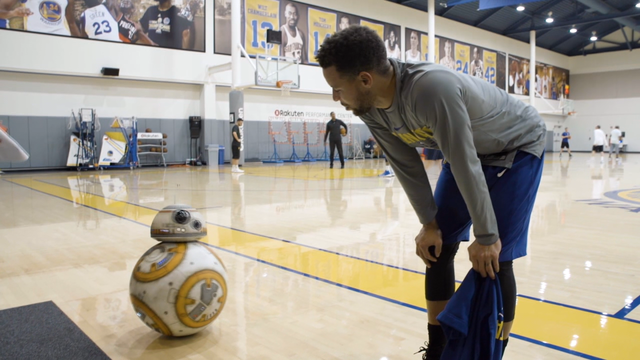 BB-8 Visits The Golden State Warriors