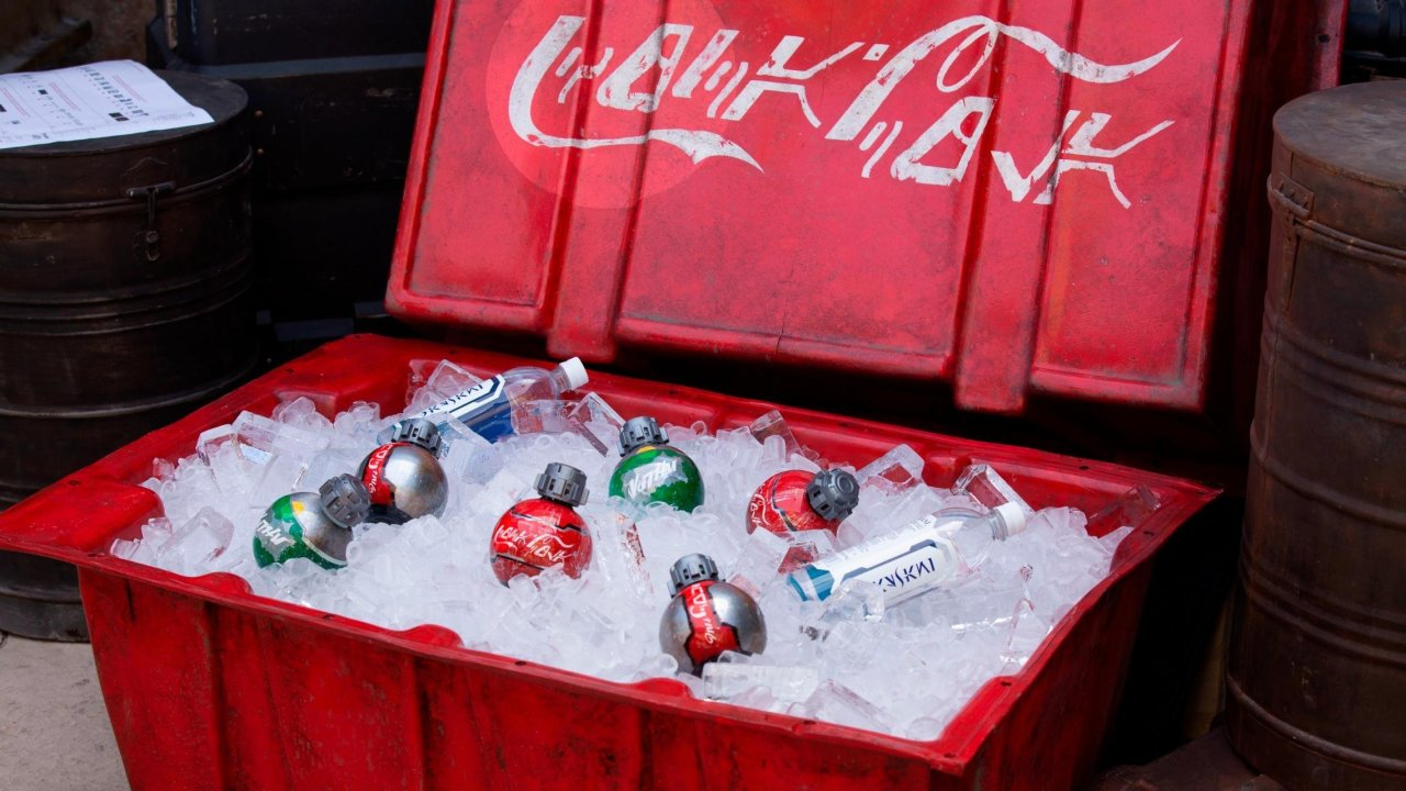 Coca Cola And Disney Design Custom Bottles For Star Wars Galaxy's Edge