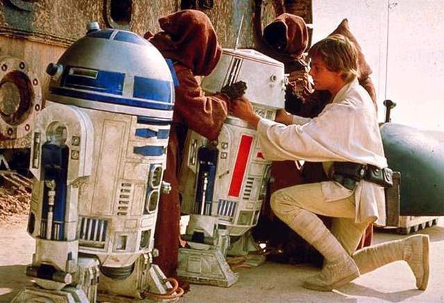 Luke Inspects Droids
